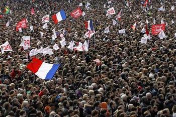 2012-04-16T014721Z_1_CTYE83F04Z000_RTROPTP_2_FRANCE-ELECTION.jpg